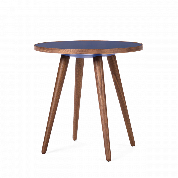 Кофейный стол Sputnik высота 40 диаметр 41Кофейные столики<br>Простые иВчистые линии, интегрированные вВваш интерьер. Классическая столешница вВформе круга добавляет красоты иВизящества этому столу, который сочетается с разнообразными вариантами интерьерных стилей иВможет быть использован как вВдомах, так иВофисах. Четыре ножки отВстола вкручиваются вВстолешницу без специальных инструментов.<br><br><br> Кофейный стол Sputnik высота 40 диаметр 41, творение американского дизайнера с мировым именем Шона Дикса, обл...<br><br>stock: 0<br>Высота: 40<br>Диаметр: 40.6<br>Цвет ножек: Орех американский<br>Цвет столешницы: Синий<br>Материал ножек: Массив ореха<br>Тип материала столешницы: Меламин<br>Тип материала ножек: Дерево<br>Дизайнер: Sean Dix