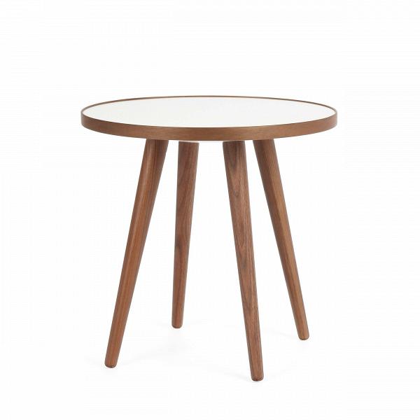 Кофейный стол Sputnik высота 40 диаметр 41Кофейные столики<br>Простые иВчистые линии, интегрированные вВваш интерьер. Классическая столешница вВформе круга добавляет красоты иВизящества этому столу, который сочетается с разнообразными вариантами интерьерных стилей иВможет быть использован как вВдомах, так иВофисах. Четыре ножки отВстола вкручиваются вВстолешницу без специальных инструментов.<br><br><br> Кофейный стол Sputnik высота 40 диаметр 41, творение американского дизайнера с мировым именем Шона Дикса, обл...<br><br>stock: 3<br>Высота: 40<br>Диаметр: 40.6<br>Цвет ножек: Орех американский<br>Цвет столешницы: Белый<br>Материал ножек: Массив ореха<br>Тип материала столешницы: Меламин<br>Тип материала ножек: Дерево<br>Дизайнер: Sean Dix