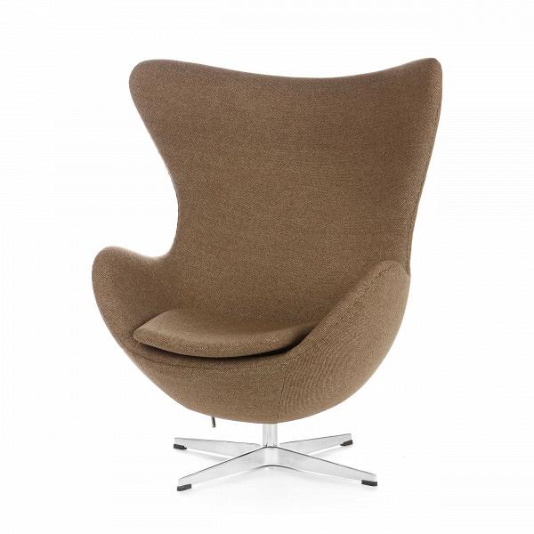 Кресло EggИнтерьерные<br>Дизайнерское комфортное кресло Egg (Эгг) в форме яйца на узкой ножке от Cosmo (Космо).<br><br><br> Кресло, своими очертаниями напоминающее яйцо, — одно из самых известных творений датского дизайнера Арне Якобсена. Вряд ли оно когда-нибудь выйдет из моды — уж слишком велик диапазон его интерьерных возможностей. Кроме того, обыгрывать данную форму помогают различные фактуры и цвета обивок.<br><br><br> Особенно приятно и солидно смотрится оригинальное кресло Egg в обивке из натуральной кожи, представлен...<br><br>stock: 0<br>Высота: 105,5<br>Высота сиденья: 41<br>Ширина: 87<br>Глубина: 82<br>Цвет ножек: Хром<br>Материал обивки: Шерсть, Нейлон<br>Коллекция ткани: B Fabric<br>Тип материала обивки: Ткань<br>Тип материала ножек: Алюминий<br>Цвет обивки: Бежево-зеленый<br>Дизайнер: Arne Jacobsen