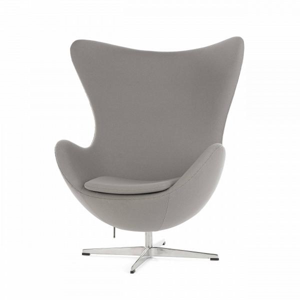 Кресло EggИнтерьерные<br>Дизайнерское комфортное кресло Egg (Эгг) в форме яйца на узкой ножке от Cosmo (Космо).<br><br><br> Кресло, своими очертаниями напоминающее яйцо, — одно из самых известных творений датского дизайнера Арне Якобсена. Вряд ли оно когда-нибудь выйдет из моды — уж слишком велик диапазон его интерьерных возможностей. Кроме того, обыгрывать данную форму помогают различные фактуры и цвета обивок.<br><br><br> Особенно приятно и солидно смотрится оригинальное кресло Egg в обивке из натуральной кожи, представлен...<br><br>stock: 0<br>Высота: 105,5<br>Высота сиденья: 41<br>Ширина: 87<br>Глубина: 82<br>Цвет ножек: Хром<br>Материал обивки: Шерсть, Нейлон<br>Коллекция ткани: T Fabric<br>Тип материала обивки: Ткань<br>Тип материала ножек: Алюминий<br>Цвет обивки: Светло-серый<br>Дизайнер: Arne Jacobsen