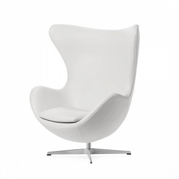 Кресло EggИнтерьерные<br>Дизайнерское комфортное кресло Egg (Эгг) в форме яйца на узкой ножке от Cosmo (Космо).<br><br><br> Кресло, своими очертаниями напоминающее яйцо, — одно из самых известных творений датского дизайнера Арне Якобсена. Вряд ли оно когда-нибудь выйдет из моды — уж слишком велик диапазон его интерьерных возможностей. Кроме того, обыгрывать данную форму помогают различные фактуры и цвета обивок.<br><br><br> Особенно приятно и солидно смотрится оригинальное кресло Egg в обивке из натуральной кожи, представлен...<br><br>stock: 1<br>Высота: 105,5<br>Высота сиденья: 41<br>Ширина: 87<br>Глубина: 82<br>Цвет ножек: Хром<br>Коллекция ткани: Premium Leather<br>Тип материала обивки: Кожа<br>Тип материала ножек: Алюминий<br>Цвет обивки: Белый<br>Дизайнер: Arne Jacobsen