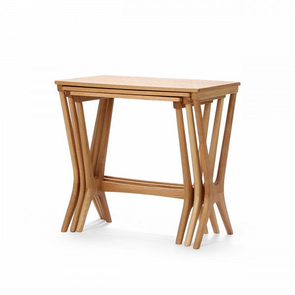 Набор кофейных столов NestingКофейные столики<br>Дизайнерский набор из трех коричневых кофейных столов Nesting (Нестинг) от Cosmo (Космо).<br><br><br> Складывающиеся столики-трансформеры не зря вот уже столько лет не сдают интерьерных позиций — проблема разумной и при этом красивой организации пространства стояла во все времена. Сегодня, когда дизайнеры предлагают сотни комбинаций и материалов для их прародителя, популярного столика Quartetto из XVIII века (в первоначальной версии было четыре складывающихся столика разных размеров), наш выбор ...<br><br>stock: 4<br>Высота: 53,8<br>Ширина: 56<br>Диаметр: 36<br>Цвет ножек: Светло-коричневый<br>Цвет столешницы: Светло-коричневый<br>Материал ножек: Массив дуба<br>Материал столешницы: Фанера, шпон дуба<br>Тип материала столешницы: Фанера<br>Тип материала ножек: Дерево