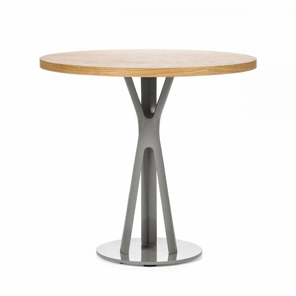 Обеденный стол Split круглыйОбеденные<br>Дизайнерская круглый узкий обеденный стол Split из массива ореха на необычных металлических ножках от Cosmo (Космо).<br>         Обеденный стол играет первую скрипку в столовой, ведь он — центр притяжения всего дома. Он может быть круглым или прямоугольным, раздвижным или миниатюрным, оригинальным или простым, но без него не обойтись. Сегодня на ваш выбор представлены сотни моделей, главное — понять, сколько человек будут регулярно за ним усаживаться и каким целям онВбудет служить.<br><br><br>  ...<br><br>stock: 0<br>Высота: 75<br>Диаметр: 80<br>Цвет ножек: Светло-серый<br>Цвет столешницы: Светло-коричневый<br>Материал столешницы: Фанера, шпон дуба<br>Тип материала столешницы: Фанера<br>Тип материала ножек: Сталь<br>Дизайнер: Sean Dix