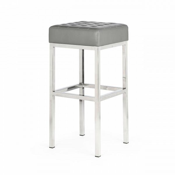 Стул барный QuadroБарные<br>Дизайнерский кожаный барный стул Quadro (Квадро) на ножках из нержавеющей стали от Cosmo (Космо).<br><br> Высокий барный стул Quadro — современная классика, выраженная в каждом миллиметре, творение Флоренс Нолл Бассетт, американского архитектора иВдизайнерам мебели, которая училась уВМиса ван дер Роэ иВЭэро Сааринена. Правильная геометрия оригинального барного стула Quadro порадует любого перфекциониста и привнесет особую эстетику в интерьер различной стилевой направленности, от...<br><br>stock: 2<br>Высота: 76,5<br>Ширина: 37<br>Глубина: 37<br>Цвет ножек: Хром<br>Цвет сидения: Серый<br>Тип материала сидения: Кожа<br>Коллекция ткани: Harry Leather<br>Тип материала ножек: Сталь нержавеющая<br>Дизайнер: Florence Knoll