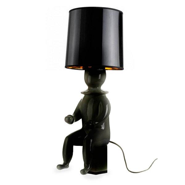 Настольная лампа ClownНастольные<br>Дизайнерская настольная лампа из керамики Cosmo Clown (Космо Клоун)<br><br><br> Маленький клоун в огромном цилиндре замер перед следующей шуткой. Что выкинет он сейчас? Достанет из рукава букет бумажных незабудок, вытащит из шляпы котенка или выпустит воздушные шары? Точно одно: он сделает атмосферу вашей комнаты светлее.<br><br><br> Настольная лампа Clown, реплика одноименного изделия от Хайме Айона, передает оригинальный стиль этого мастера, творящего на стыке декоративного искусства и дизайна. Все ...<br><br>stock: 0<br>Высота: 60<br>Диаметр: 24<br>Количество ламп: 1<br>Материал абажура: Ткань<br>Материал арматуры: Керамика<br>Ламп в комплекте: Нет<br>Тип лампы/цоколь: E27<br>Цвет абажура: Черный<br>Цвет арматуры: Черный<br>Дизайнер: Jaime Hayon