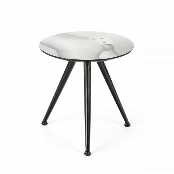 Кофейный стол SpadesКофейные столики<br>Дизайнерский деревянный кофейный стол Spades (Спейдес) на трех ножках с креативным рисунком на столешнице от Seletti (Селетти).<br><br>Оригинальный кофейный стол Spades из коллекции Toiletpaper от компании Seletti — это как раз то, что и следовало ожидать от этой дизайн-студии. Знаменитые на весь мир Seletti не раз прогремели своими коллекциями посуды и мебели провокационного содержания. Но за это их все и любят. <br> <br> Кухонная утварьВToiletpaper названа в честь одноименного журнала, основ...<br><br>stock: 0<br>Высота: 49,5<br>Диаметр: 48<br>Цвет ножек: Черный<br>Тип материала каркаса: Дерево<br>Цвет каркаса: Серый