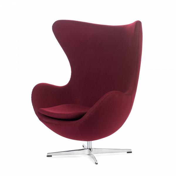 Кресло EggИнтерьерные<br>Дизайнерское комфортное кресло Egg (Эгг) в форме яйца на узкой ножке от Cosmo (Космо).<br><br><br> Кресло, своими очертаниями напоминающее яйцо, — одно из самых известных творений датского дизайнера Арне Якобсена. Вряд ли оно когда-нибудь выйдет из моды — уж слишком велик диапазон его интерьерных возможностей. Кроме того, обыгрывать данную форму помогают различные фактуры и цвета обивок.<br><br><br> Особенно приятно и солидно смотрится оригинальное кресло Egg в обивке из натуральной кожи, представлен...<br><br>stock: 0<br>Высота: 105,5<br>Высота сиденья: 41<br>Ширина: 87<br>Глубина: 82<br>Цвет ножек: Хром<br>Материал обивки: Шерсть, Нейлон<br>Коллекция ткани: T Fabric<br>Тип материала обивки: Ткань<br>Тип материала ножек: Алюминий<br>Цвет обивки: Бургунди<br>Дизайнер: Arne Jacobsen