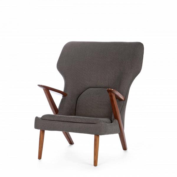 Кресло Little BearИнтерьерные<br>Дизайнерское легкое комфортное кресло Little Bear (Литл Бир) с широкой спинкой и деревянным каркасом от Cosmo (Космо).<br><br><br> Датчанина Ханса Вегнера по праву можно величать королем стульев — за всю жизнь он спроектировал их около пятисот. ЕгоВтворения входят в коллекцию всех музеев современного искусства, от Центра Помпиду до MoMA, на кресле «Бык» сидит Доктор Зло в «Остине Пауэрсе», в креслах Вегнера вели дебаты Кеннеди и Никсон и снимался Дмитрий Медведев.<br><br><br> Вегнер, верный птен...<br><br>stock: 1<br>Высота: 94<br>Высота сиденья: 37<br>Ширина: 82,5<br>Глубина: 87<br>Материал каркаса: Массив ореха<br>Материал обивки: Хлопок<br>Тип материала каркаса: Дерево<br>Коллекция ткани: Charles Fabric<br>Тип материала обивки: Ткань<br>Цвет обивки: Темно-серый<br>Цвет каркаса: Орех американский<br>Дизайнер: Hans Wegner