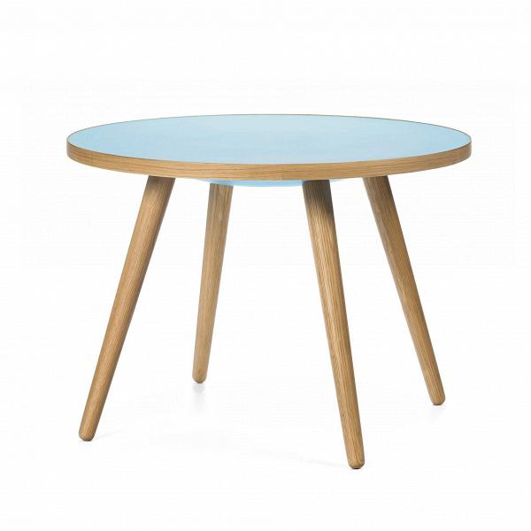 Кофейный стол Sputnik высота 55 диаметр 75Кофейные столики<br>Дизайнерский кофейный стол Sputnik (Спутник) высота 55 диаметр 75 из дерева на черырех ножках от Cosmo (Космо).<br><br><br> Простые иВчистые линии, интегрированные вВваш интерьер. Классическая столешница вВформе круга добавляет красоты иВизящества этому столу, который сочетается с разнообразными вариантами интерьерных стилей иВможет быть использован как вВдомах, так иВофисах. Четыре ножки отВстола вкручиваются вВстолешницу без специальных инструментов...<br><br>stock: 0<br>Высота: 55<br>Диаметр: 75<br>Цвет ножек: Светло-коричневый<br>Цвет столешницы: Голубой<br>Материал ножек: Массив дуба<br>Тип материала столешницы: Пластик<br>Тип материала ножек: Дерево<br>Дизайнер: Sean Dix