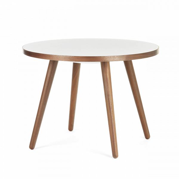 Кофейный стол Sputnik высота 55 диаметр 75Кофейные столики<br>Дизайнерский кофейный стол Sputnik (Спутник) высота 55 диаметр 75 из дерева на черырех ножках от Cosmo (Космо).<br><br><br> Простые иВчистые линии, интегрированные вВваш интерьер. Классическая столешница вВформе круга добавляет красоты иВизящества этому столу, который сочетается с разнообразными вариантами интерьерных стилей иВможет быть использован как вВдомах, так иВофисах. Четыре ножки отВстола вкручиваются вВстолешницу без специальных инструментов...<br><br>stock: 0<br>Высота: 55<br>Диаметр: 75<br>Цвет ножек: Орех американский<br>Цвет столешницы: Белый<br>Материал ножек: Массив ореха<br>Тип материала столешницы: Пластик<br>Тип материала ножек: Дерево<br>Дизайнер: Sean Dix