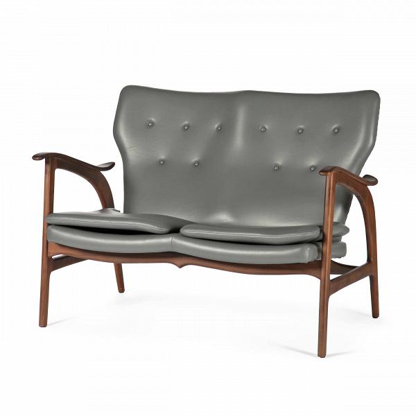 Диван FauteuilДвухместные<br>Дизайнерский легкий двухместный диван Fauteuil (Фоутей) с обивкой из льна и деревянным каркасом от Cosmo (Космо).<br><br>Классические формы классического дивана от классиков мебельного дизайна — проектировщиков из Скандинавии.<br> Финн Юль (Finn Juhl), автор дизайна дивана Fauteuil, — одна из крупнейших фигур в истории датского дизайна. В 1945 году он создал этот потрясающий диван, разорвавший привычные шаблоны: рама дивана больше не соединяет сиденье и спинку. Конечный результат задумки Финна Юл...<br><br>stock: 3<br>Высота: 84<br>Высота сиденья: 42,5<br>Глубина: 77<br>Длина: 118<br>Материал каркаса: Массив ореха<br>Тип материала каркаса: Дерево<br>Коллекция ткани: Harry Leather<br>Тип материала обивки: Кожа<br>Цвет обивки: Темно-серый<br>Цвет каркаса: Орех<br>Дизайнер: Finn Juhl