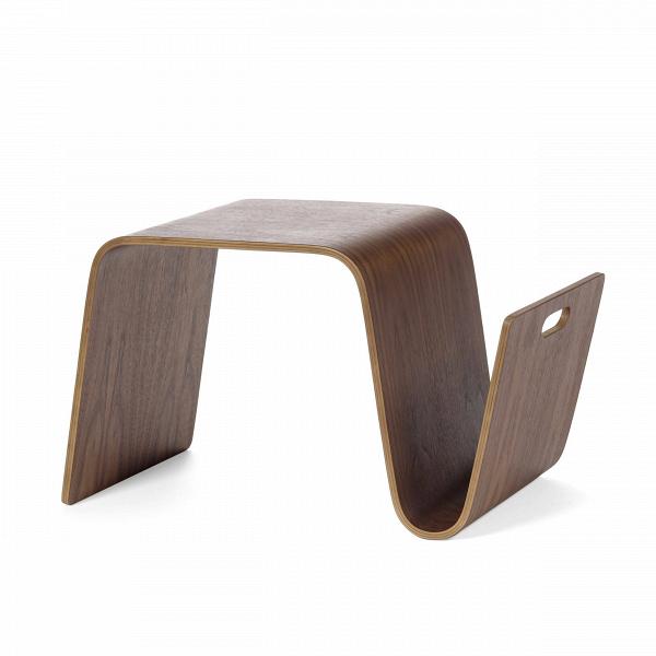 Кофейный стол MagКофейные столики<br>Дизайнерский кофейный креативный цельный стол Mag (Мэг) из фанеры от Cosmo (Космо).<br><br>Форма этого стола настолько же проста, насколько и оригинальна. Дизайн многофункциональногоВстола Mag был придуман еще в 1999 году. Самое необычное, что он может использоваться и как кофейный стол, и как подставка под ноутбук, и как банкетка, и даже как стул! Все зависит от того, как его повернуть. В вертикальном положении он используется как подставка под ноутбук, а ручка, благодаря которой перевора...<br><br>stock: 2<br>Высота: 40,5<br>Ширина: 35<br>Длина: 69<br>Сфера использования: Комнатное использование<br>Материал каркаса: Фанера, шпон ореха<br>Тип материала каркаса: Фанера<br>Цвет каркаса: Орех американский<br>Дизайнер: Eric Pfeiffer