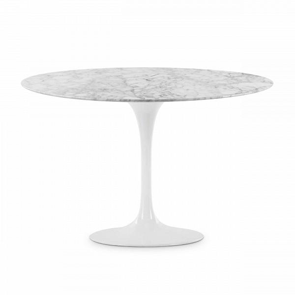 Обеденный стол Tulip диаметр 122Обеденные<br>Дизайнерская глянцевый белый обеденный стол Tulip (Тулип) овальный на одной ножке с мраморной столещницей от Cosmo (Космо).У каждого знаменитого дизайнера прошлого столетия есть своя «формула вечного дизайна», а значит, есть и произведения дизайнерского искусства, которые уже много лет не выходят из моды, не теряют своей актуальности и востребованы по сей день. Стол Tulip как раз был разработан при помощи такой формулы, которую вывел Ээро Сааринен. Изящная ножка-тюльпан и круглая столешница, ...<br><br>stock: 2<br>Высота: 72<br>Диаметр: 122<br>Цвет ножек: Белый глянец<br>Цвет столешницы: Белый<br>Материал столешницы: Мрамор итальянский<br>Тип материала столешницы: Мрамор<br>Тип материала ножек: Алюминий<br>Дизайнер: Eero Saarinen
