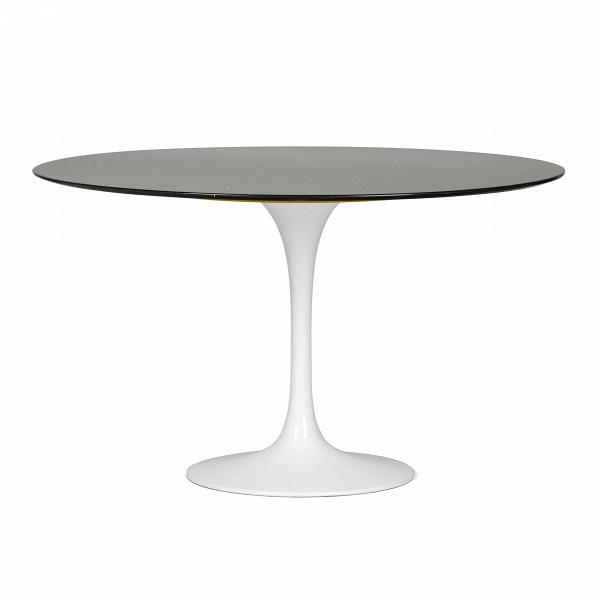 Обеденный стол Tulip диаметр 122Обеденные<br>Дизайнерская глянцевый белый обеденный стол Tulip (Тулип) овальный на одной ножке с мраморной столещницей от Cosmo (Космо).У каждого знаменитого дизайнера прошлого столетия есть своя «формула вечного дизайна», а значит, есть и произведения дизайнерского искусства, которые уже много лет не выходят из моды, не теряют своей актуальности и востребованы по сей день. Стол Tulip как раз был разработан при помощи такой формулы, которую вывел Ээро Сааринен. Изящная ножка-тюльпан и круглая столешница, ...<br><br>stock: 0<br>Высота: 72<br>Диаметр: 122<br>Цвет ножек: Белый глянец<br>Цвет столешницы: Черный<br>Тип материала столешницы: Гранит<br>Тип материала ножек: Алюминий<br>Дизайнер: Eero Saarinen