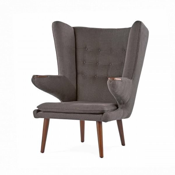 Кресло Papa BearИнтерьерные<br>Дизайнерское кресло Papa Bear (Папа Биар) с широкой спинкой на деревянных ножках от Cosmo (Космо).<br><br><br> Один из главных героев архитектурных журналов и дайджестовВ— культовое кресло Papa Bear датчанина Ханса Вегнера — можно встретить вВлюбой точке земного шара, от манхэттенских лофтов и минималистичных студий в Осло до внушительных особняков с камином в загородной Англии. Ведь каждый хочет почувствовать себя в дружелюбных меховых объятиях любимого плюшевого мишки из детства.<br><br>...<br><br>stock: 2<br>Высота: 108,5<br>Высота сиденья: 42<br>Ширина: 85<br>Глубина: 90<br>Цвет ножек: Орех американский<br>Материал ножек: Массив ореха<br>Материал обивки: Хлопок, Лен<br>Коллекция ткани: Charles Fabric<br>Тип материала обивки: Ткань<br>Тип материала ножек: Дерево<br>Цвет обивки: Темно-серый<br>Дизайнер: Hans Wegner