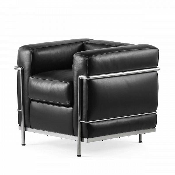 Кресло LC2Интерьерные<br>Дизайнерское строгое кожаное кресло LC2 (ЛС2) с металлическими ножками от Cosmo (Космо).<br><br>Кресло LC2 было спроектировано Ле Корбюзье в 1928 году в соавторстве с Пьером Жаннере иВШарлоттой Перьен. Это истинная классика. Оно было представлено публике годом позже на осеннем салоне в Париже и имело невероятный успех. Это кресло представляет собой яркий пример мебели и предметов интерьера стиля баухаус. Дерзкий характер кресла кроется в сплаве твердого и мягкого, строгости и расслабленнос...<br><br>stock: 0<br>Высота: 70<br>Ширина: 76<br>Глубина: 70<br>Цвет ножек: Хром<br>Коллекция ткани: Harry Leather<br>Тип материала обивки: Кожа<br>Тип материала ножек: Сталь нержавеющая<br>Цвет обивки: Черный<br>Дизайнер: 265<br>Дизайнер: 6735