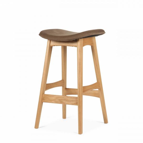 Барный стул Allegra высота 67Полубарные<br>Первоначально разработанный Йоханнесом Андерсеном вВ1961 году, барный стул Allegra высота 67 — простое, ноВшикарное дополнение кВлюбому дому или офису. СВсиденьем, находящимся наВуровне 76 сантиметров, этот стильный стул практичен иВсовременен.<br><br><br> Высококачественная рама барного стула Allegra высота 67 выполнена изВореха, аВсиденьеВ— изВмягкой кожи, которую кВтомуВже легко чистить. Сиденье шириной 40 сантиметров подстроено по...<br><br>stock: 9<br>Высота: 66,5<br>Ширина: 40<br>Глубина: 38,5<br>Цвет ножек: Белый дуб<br>Материал ножек: Массив дуба<br>Материал сидения: Хлопок, Лен<br>Цвет сидения: Коричневый<br>Тип материала сидения: Ткань<br>Коллекция ткани: Ray Fabric<br>Тип материала ножек: Дерево