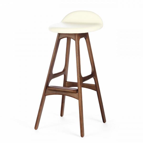 Барный стул Buch 3Барные<br>Дизайнерский барный стул Buch (Буш) без подлокотников на деревянных ножках от Cosmo (Космо).<br> Высокий барный стул Buch 3 создан еще вВ1960 году дизайнером Эриком Буком, который посвятил всю свою жизнь дизайну и архитектуре. У Эрика Бука было свыше 30 коммерчески успешных дизайн-проектов, среди которых самым успешным стал именно этот барный стул, который нашел свое место в миллионах домов по всему миру. Сегодня же стулья, сконструированные Эриком Буком, по-прежнему производятся на фабри...<br><br>stock: 9<br>Высота: 85,5<br>Высота сиденья: 75<br>Ширина: 40<br>Глубина: 45<br>Цвет ножек: Орех<br>Материал ножек: Массив ореха<br>Цвет сидения: Белый<br>Тип материала сидения: Кожа<br>Коллекция ткани: Harry Leather<br>Тип материала ножек: Дерево<br>Дизайнер: Erik Buch