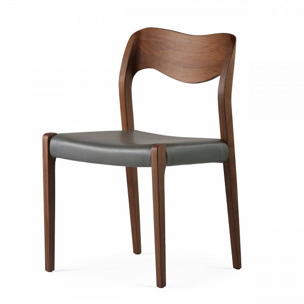 Стул WideИнтерьерные<br>Дизайнерский стул Wide (Уайд) с каркасом из дерева от Cosmo (Космо).<br> Стул Wide вполне претендует на звание эталонного, в нем есть все, что нужно идеальному предмету интерьера. Лаконичный дизайн, плавные линии, четкая геометрия — такой стул легко впишется в любой интерьер, каким бы авангардным он ни был. Ну а для пространств, оформленных в стиле скандинавского минимализма, оригинальный стул Wide просто незаменим.<br><br><br> Кожаная обивка сиденья не только повышает комфорт, но и придает лоск — т...<br><br>stock: 5<br>Высота: 78,5<br>Ширина: 50<br>Глубина: 50,5<br>Материал каркаса: Массив ореха<br>Тип материала каркаса: Дерево<br>Цвет сидения: Темно-серый<br>Тип материала сидения: Кожа<br>Коллекция ткани: Harry Leather<br>Цвет каркаса: Орех