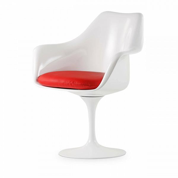 Cтул Tulip с подлокотниками и мягкой подушкойИнтерьерные<br>Дизайнерский мягкий стул Tulip (Тулип) с подлокотниками и мягкой подушкой из стекловолокна на глянцевой ножке с кожаным сиденьем от Cosmo (Космо).<br><br>     Свои основные идеи финн Ээро Сааринен черпал вВаскетичном подходе кВдизайну, воплощая ихВвВнаиболее эффективных конструкционных решениях. «Решение любой дизайнерской задачи нужно искать вВследующей, более крупной вещи,В— утверждал Сааринен. — Если загвоздка вВстуле, мыВдолжны смотреть наВто, как ...<br><br>stock: 0<br>Высота: 80,5<br>Высота сиденья: 47<br>Ширина: 66<br>Глубина: 58<br>Цвет ножек: Белый глянец<br>Тип материала каркаса: Стекловолокно<br>Цвет сидения: Красный<br>Тип материала сидения: Кожа<br>Коллекция ткани: Standart Leather<br>Тип материала ножек: Алюминий<br>Цвет каркаса: Белый глянец<br>Дизайнер: Eero Saarinen