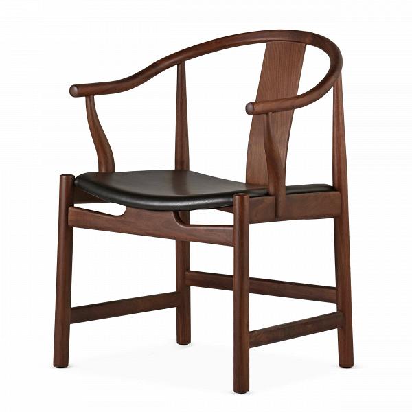 Стул  CirceИнтерьерные<br>Дизайнерское интерьерное кресло-стул Circe (Сирке) из дерева с кожаным сиденьем от Cosmo (Космо).<br><br><br> Стул Circe будет смотреться одинаково эффектно и в доме с современным дизайном, и в деловой обстановке вашего офиса, и вообще в любом месте, куда вы хотите привнести атмосферу утонченной роскоши и стиля.ВНевероятно красивый и утонченный, этот стул прекрасно отражает дизайнерский почерк своего создателя.<br><br><br> В стуле Circe идеально сочетаются изящность формы и функциональность. Ориги...<br><br>stock: 0<br>Высота: 79<br>Высота сиденья: 43<br>Ширина: 58<br>Глубина: 58<br>Материал каркаса: Массив ореха<br>Тип материала каркаса: Дерево<br>Цвет сидения: Черный<br>Тип материала сидения: Кожа<br>Коллекция ткани: Harry Leather<br>Цвет каркаса: Орех