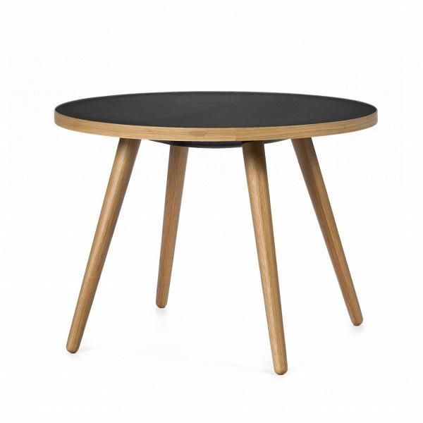 Кофейный стол Sputnik высота 55 диаметр 75Кофейные столики<br>Дизайнерский кофейный стол Sputnik (Спутник) высота 55 диаметр 75 из дерева на черырех ножках от Cosmo (Космо).<br><br><br> Простые иВчистые линии, интегрированные вВваш интерьер. Классическая столешница вВформе круга добавляет красоты иВизящества этому столу, который сочетается с разнообразными вариантами интерьерных стилей иВможет быть использован как вВдомах, так иВофисах. Четыре ножки отВстола вкручиваются вВстолешницу без специальных инструментов...<br><br>stock: 0<br>Высота: 55<br>Диаметр: 75<br>Цвет ножек: Коричневый<br>Цвет столешницы: Черный<br>Материал ножек: Массив дуба<br>Тип материала столешницы: Пластик<br>Тип материала ножек: Дерево<br>Дизайнер: Sean Dix