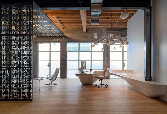 Просторный офис для программистов