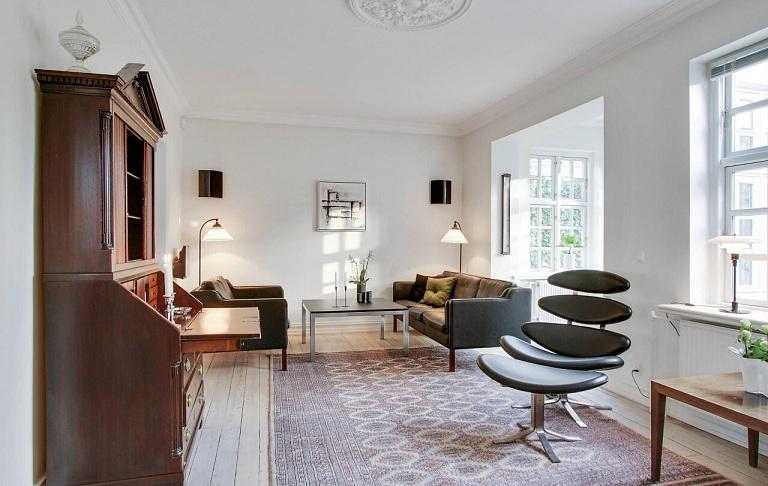 Как обставить интерьер мебелью из кожи и не разориться?