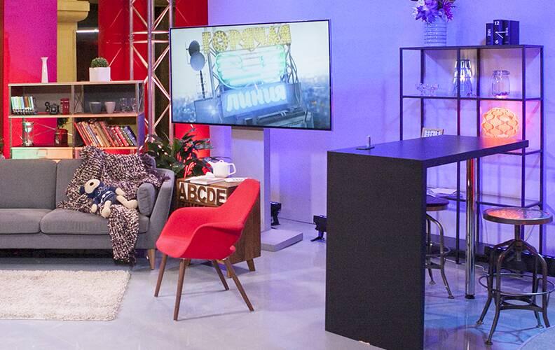 Мебель Cosmorelax в студии МУЗ-ТВ. Проект Катерины Ровнер
