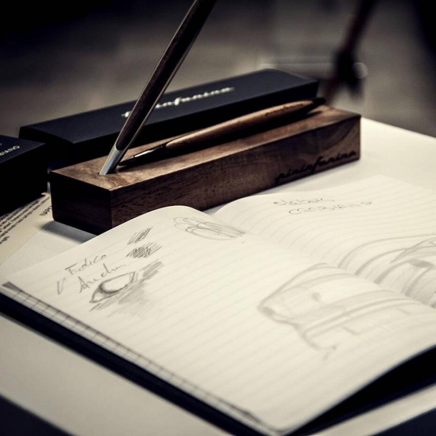 Декор рабочего стола для тех, кто идет в ногу со временем