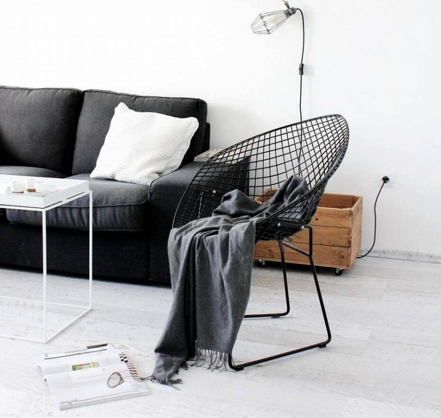 Современная классика: дизайнерские товары для черно-белых интерьеров со скидкой до 40%