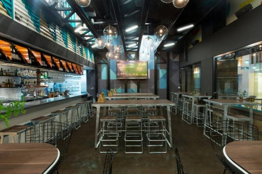 Индустриальный шик: проект ресторана быстрого питания в Австралии