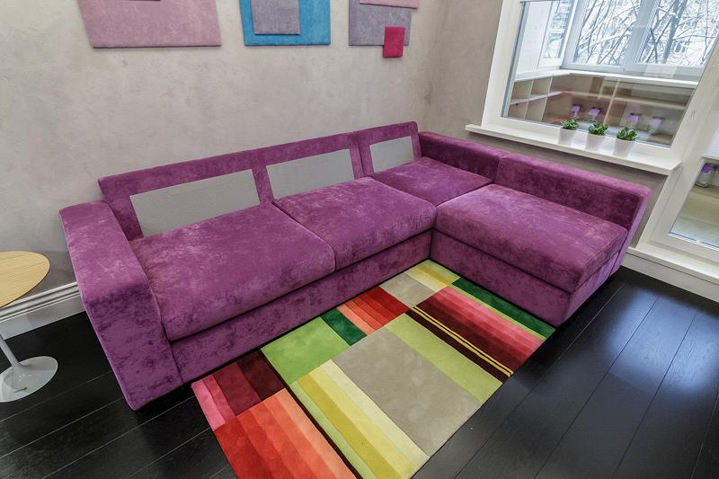 «Квартирный вопрос»: Проект «Черный пол, сиреневый диван» при участии Cosmorelax
