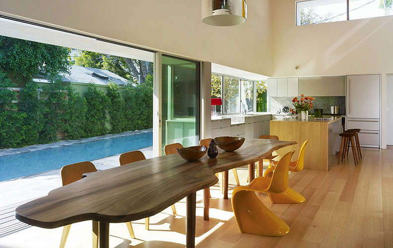 Домашняя резиденция от Clive Wilkinson Architects.