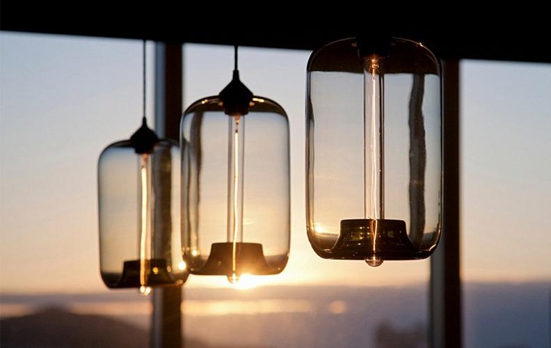 Модный тренд: 56 светильников из стекла