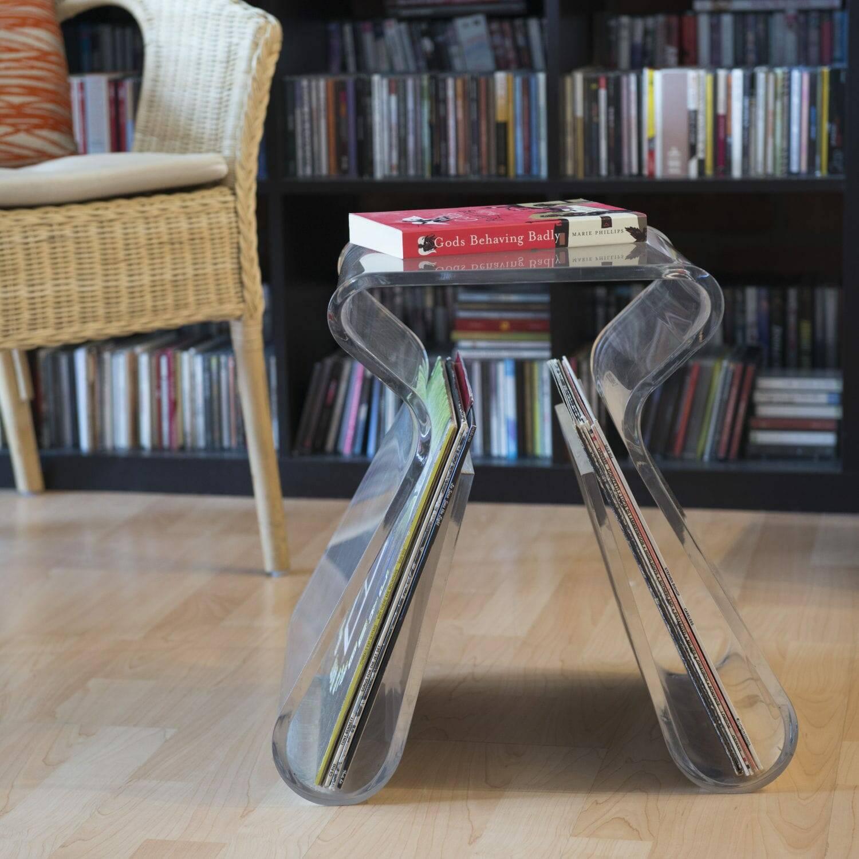 5 причин поставить стеклянный столик в маленькой гостиной